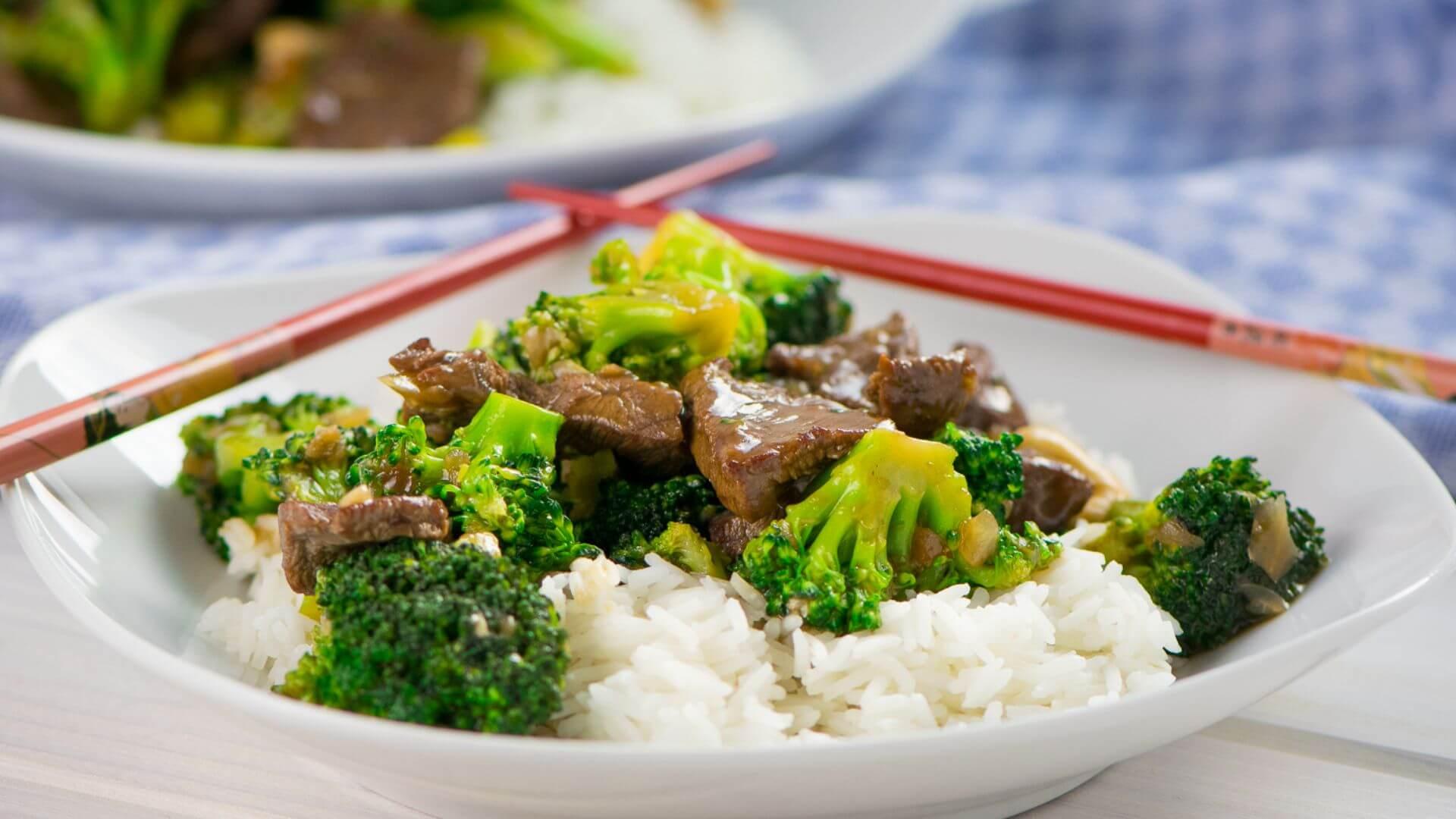 Diese Brokkoli Rindfleisch Pfanne ist super lecker, probiere es am besten direkt selbst aus