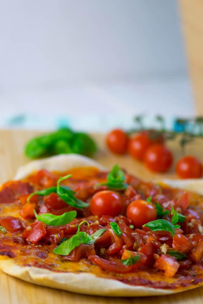 Mega knusprig und unglaublich lecker- Pizza Buschetta