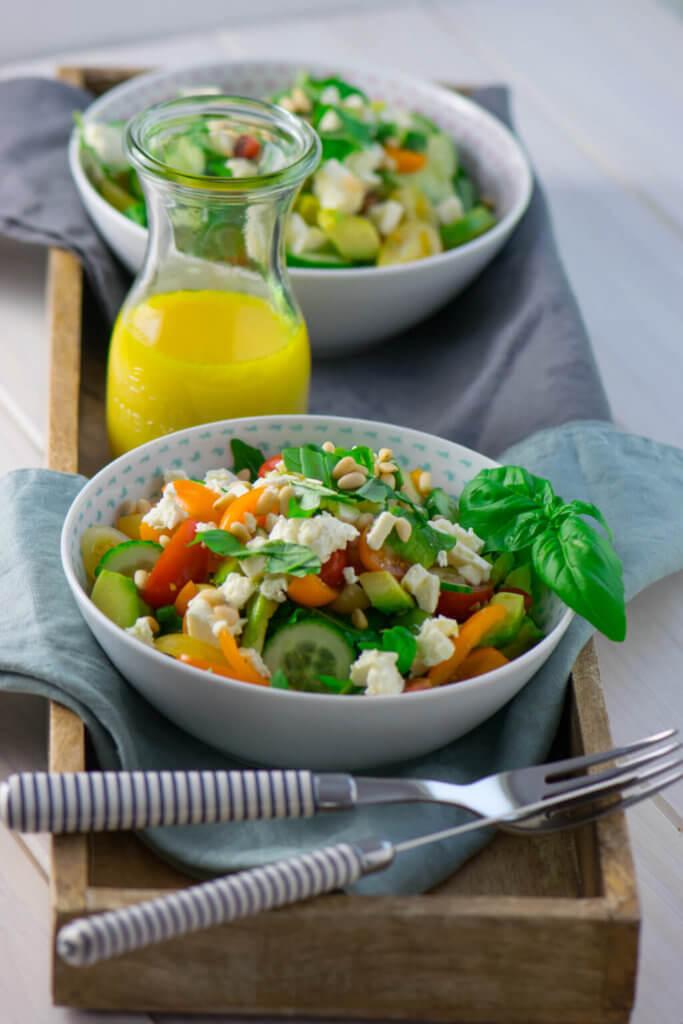 So lecker und gesund - der Avocado Feta Salat mit Rucola ist echtes Powerfood