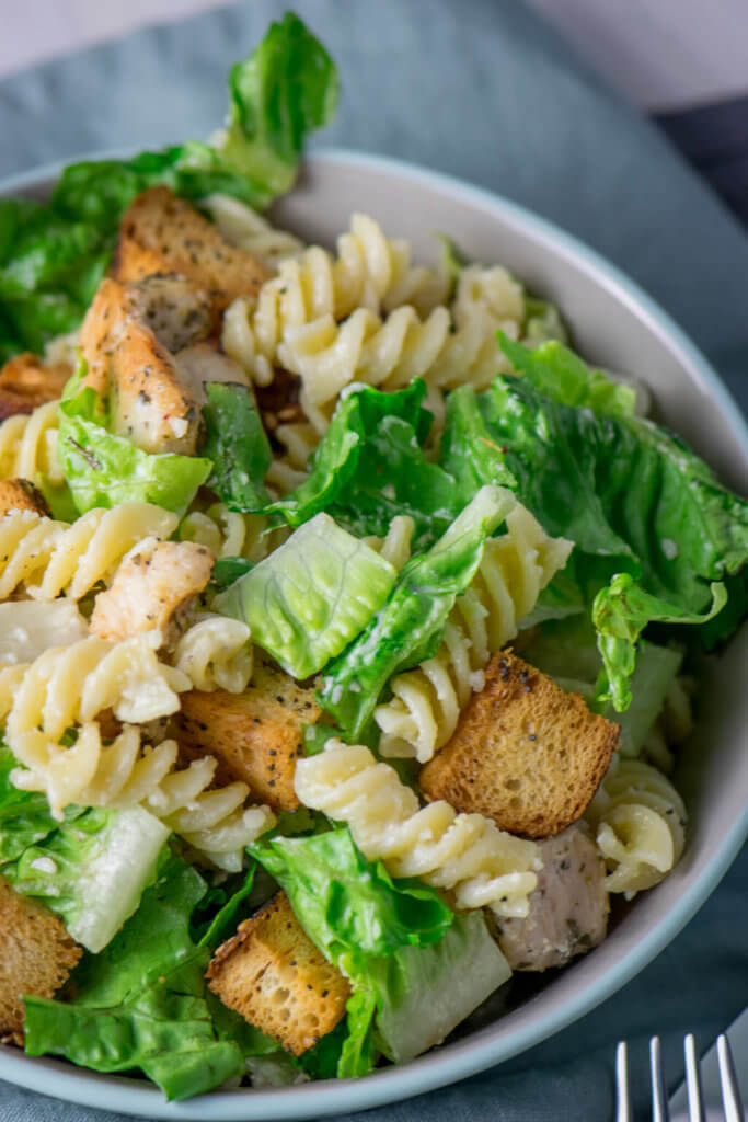 Yummy, super genialer Nudelsalat - Caesar Pasta Salat