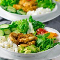 Grilled Chicken Salat mit Honig Senf Dressing