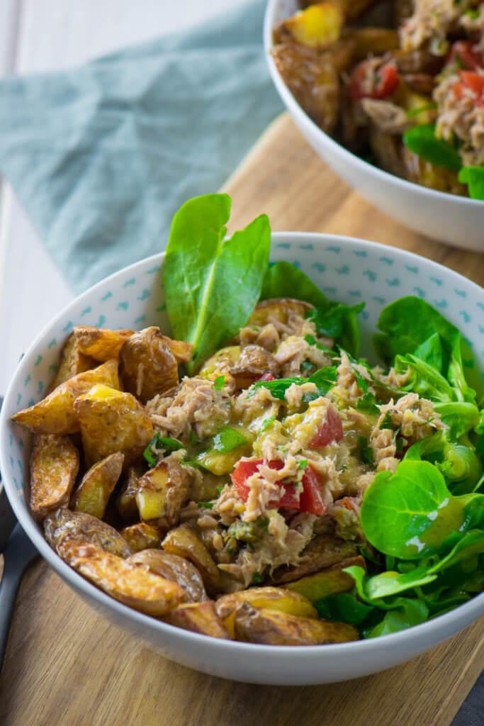 Salat mit Röstkartoffeln und Thunfisch