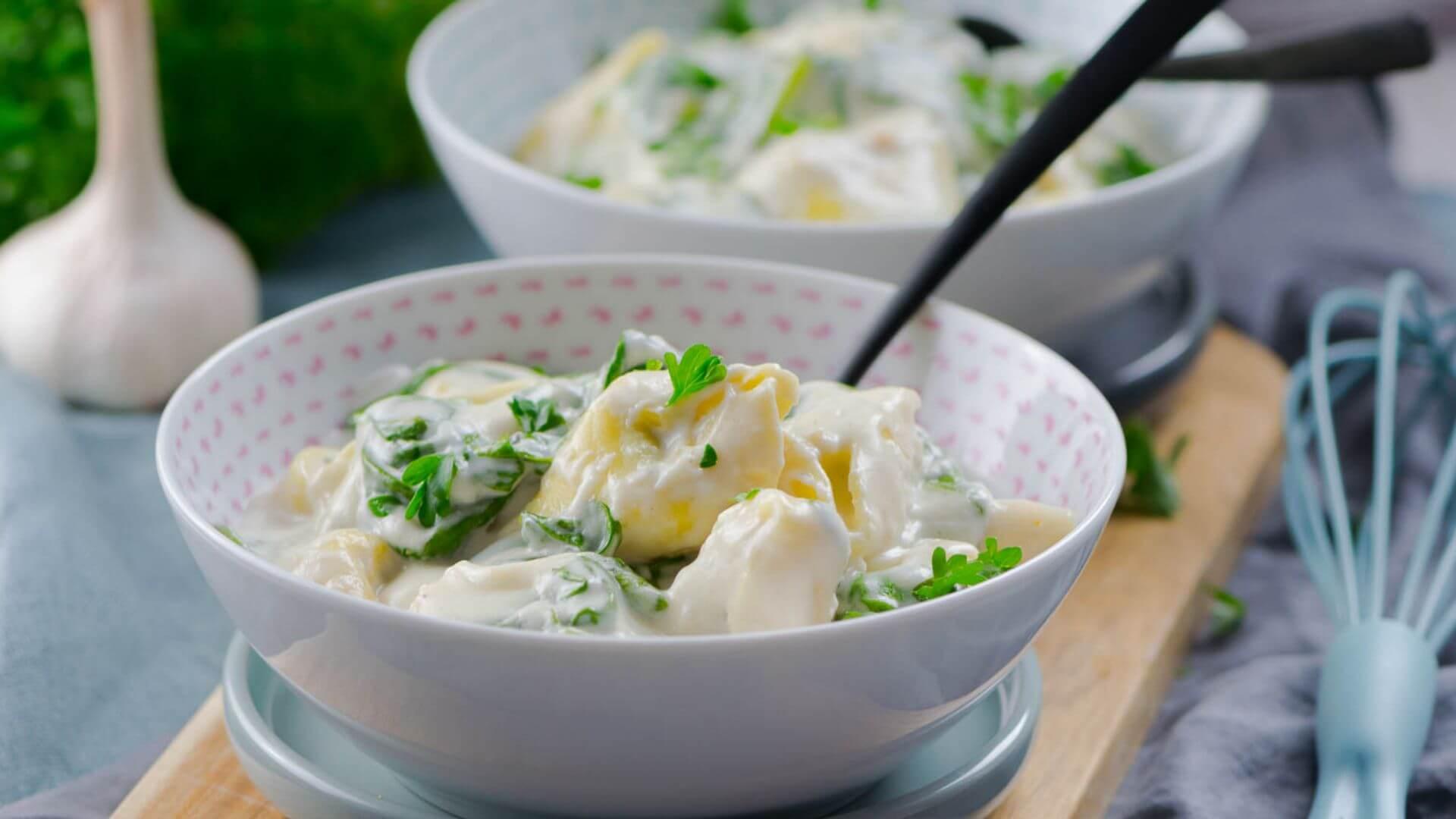 15 Minuten Tortellini in cremiger Käsesauce