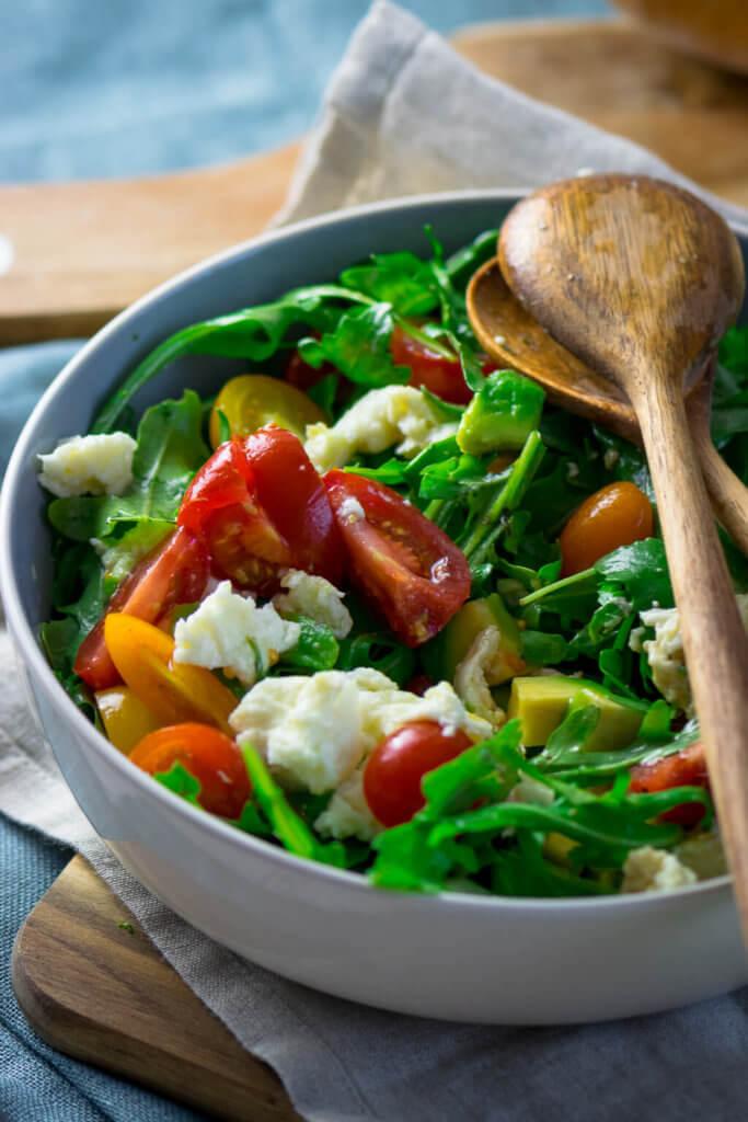 Schneller Rucola Salat - perfektes Rezept für das ganze Jahr