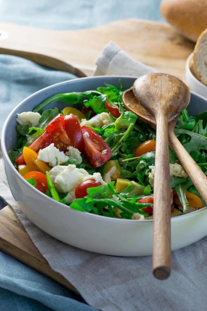Salat mit Honig Senf Dressing
