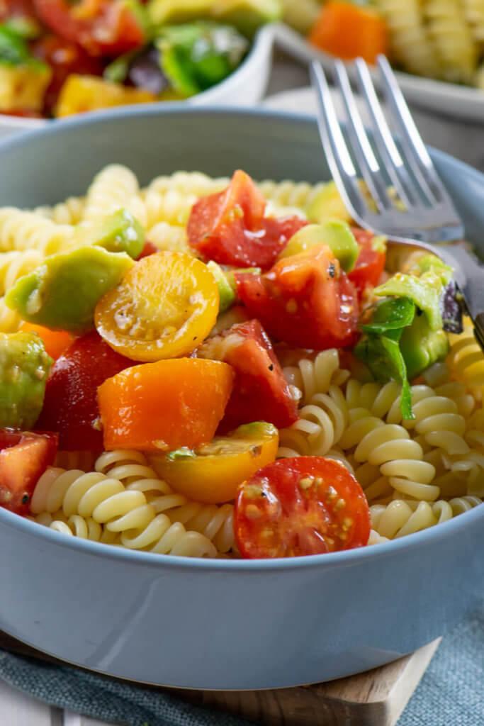So köstlich - Avocado Tomaten Pasta