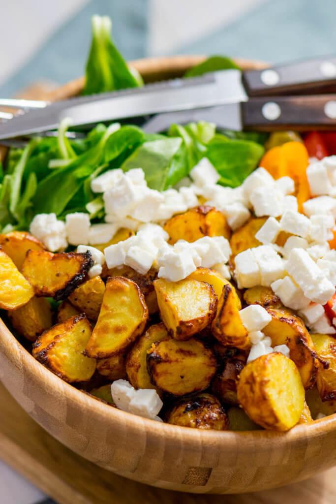 Rezept für die Heißluftfritteuse: Musst du unbedingt probieren: Honig Senf Röstkartoffel Salat