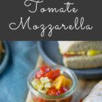 Leckere Tomate Mozzarella Panini. Schmeckt lecker und passt immer, mit nur wenigen Zutaten leckere Paninis zaubern. Gefüllt mit Tomate, geschmolzenem Mozzarella und Pesto. Super köstlich.