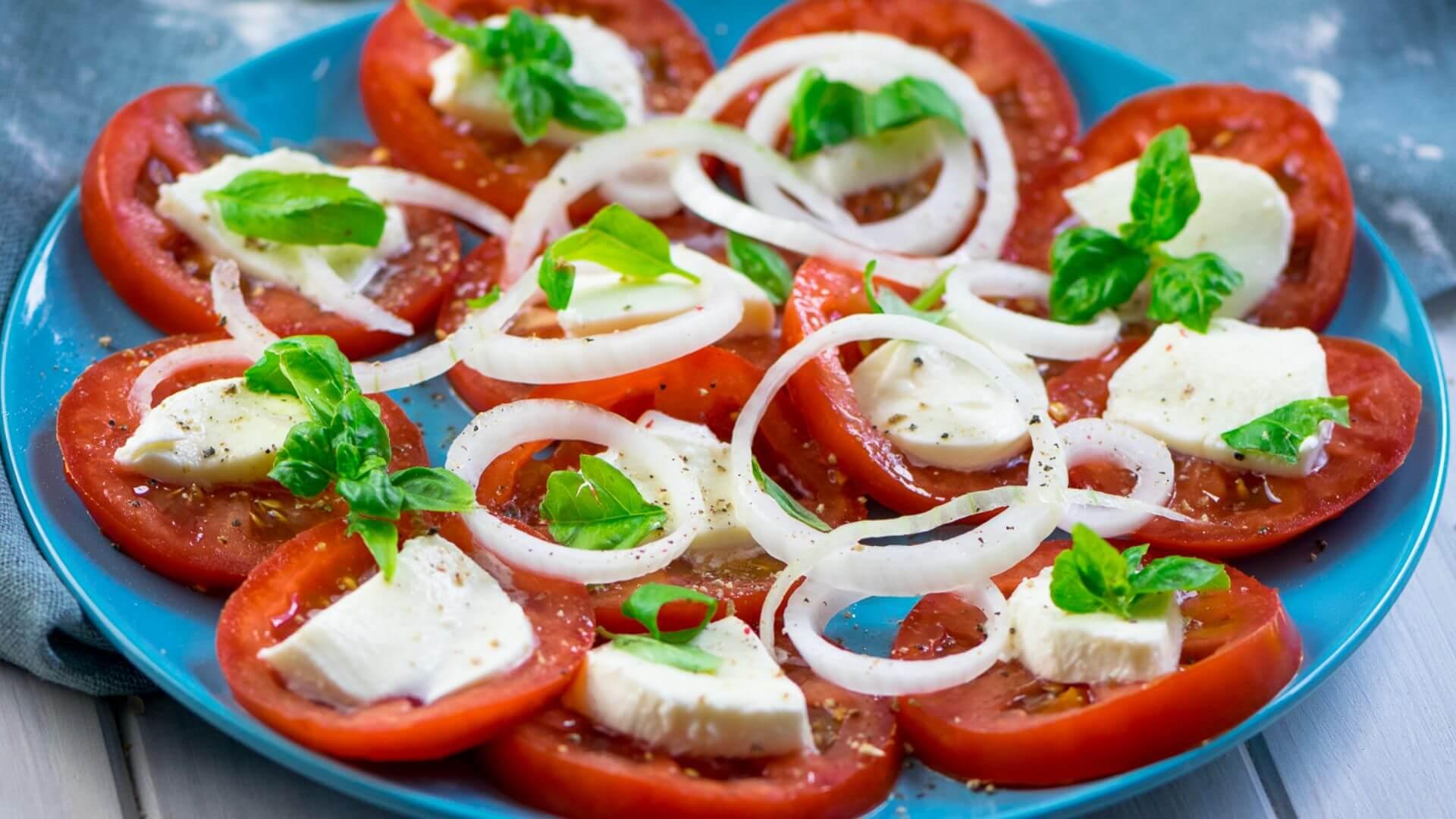 Tomatensalat mit Balsamico Dressing