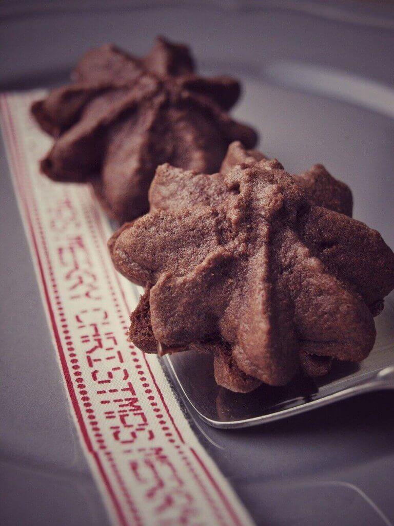 Die leckersten Kekse zur Weihnachtszeit überhaupt - Nougat Tuffs #kekse #Weihnachten #plätzchen #nougat #nutella