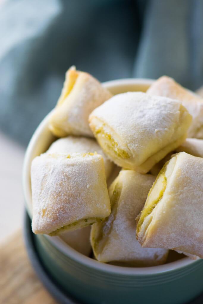 Perfekt für Weihnachten - Marzipan Kissen mit Quarkteig