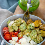 Pesto Chicken Röstkartoffel Bowl