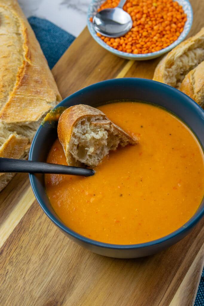 Einfach & super lecker - Rote Linsen Suppe mit Kokosmilch