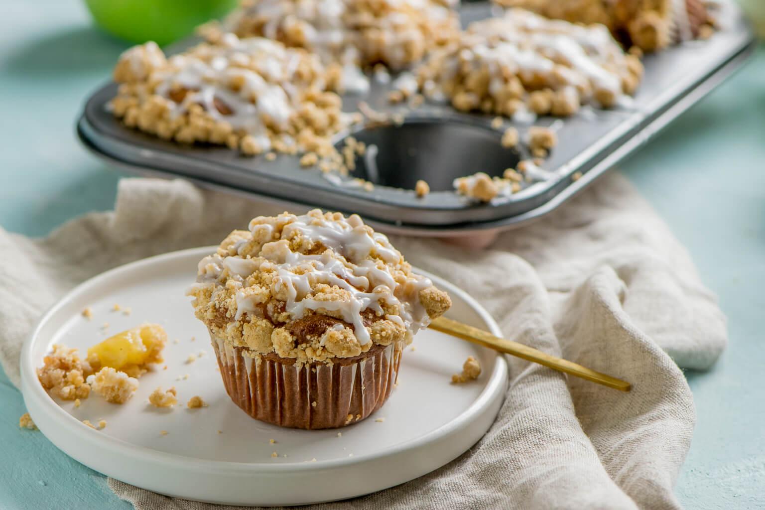 Die saftigsten Apfel Streusel Muffins aller Zeiten - mit extra viel Zimt
