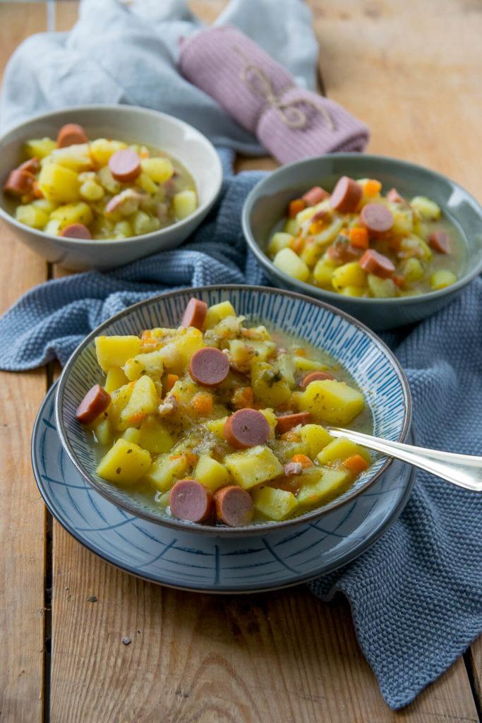 Herbstzeit ist Eintopf Zeit - mit dieser schnellen Kartoffelsuppe wärmst du deinen Körper von innen - echtes Soulfood