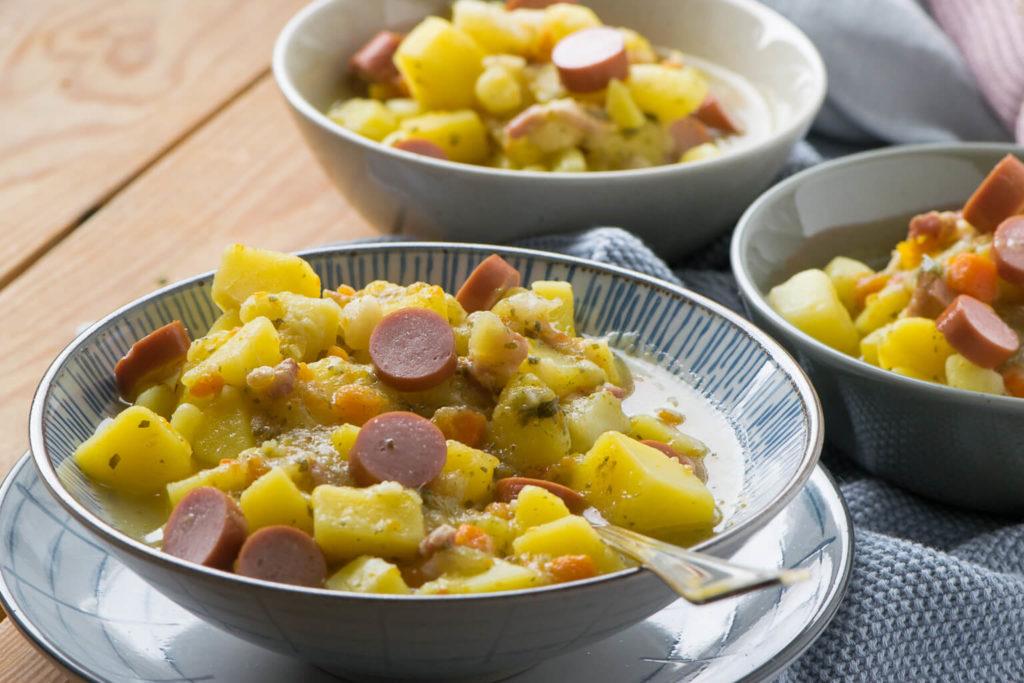 Die Kartoffelsuppe ist einfach zuzubereiten . #Kartoffelsuppe #Eintöpfe #soulfood
