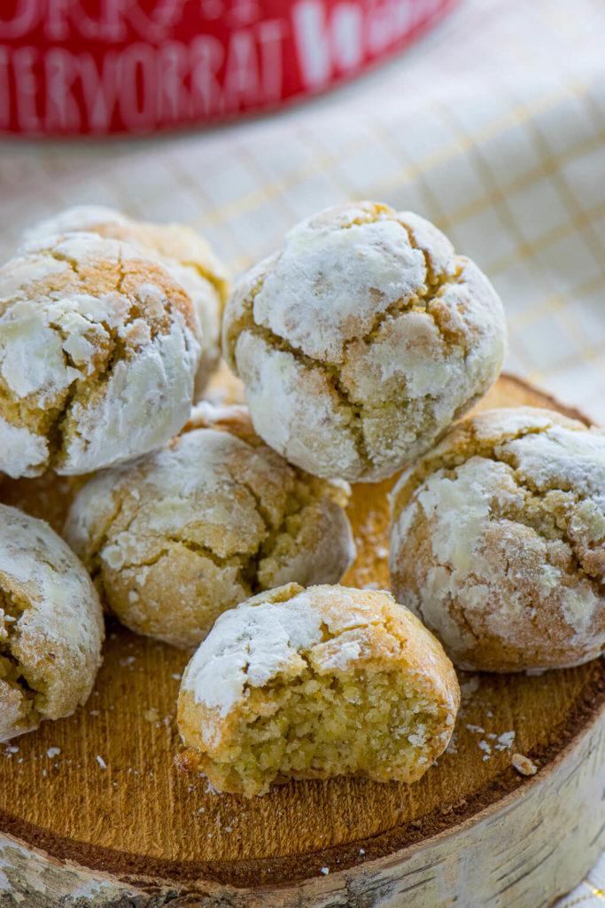 weich und mürbe - mit wunderbarem Mandelgeschmack – die Amaretti morbidi.