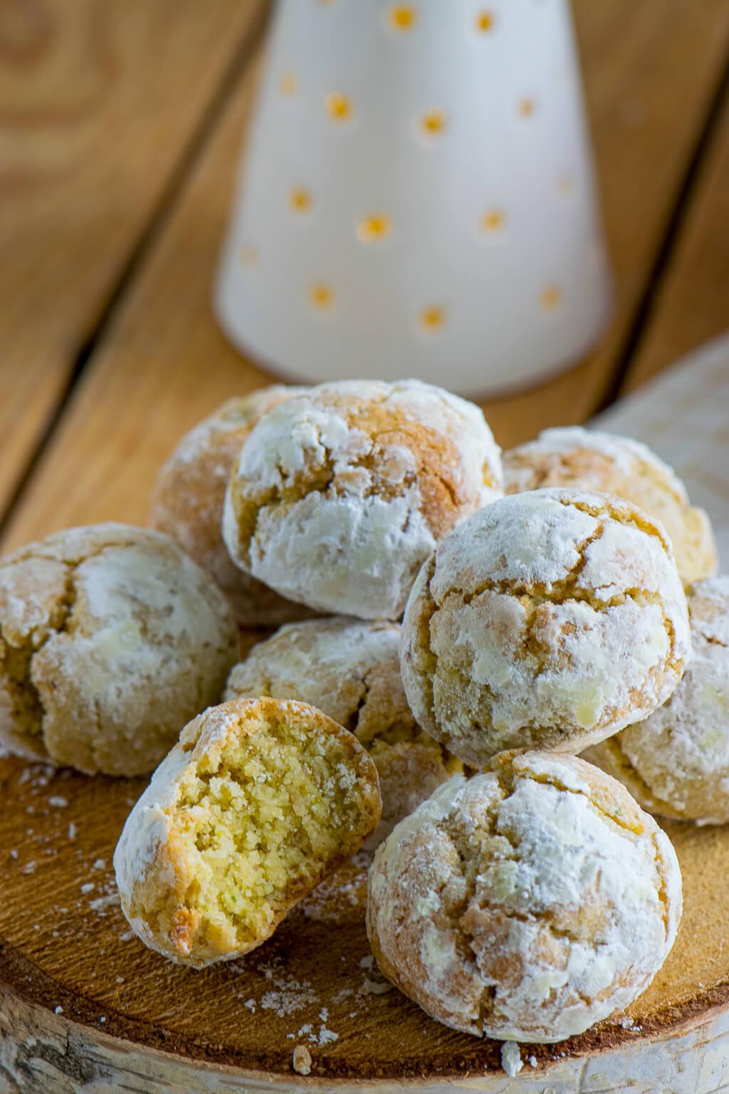 Mandel Marzipan Kekse aus Italien – Amaretti Morbidi