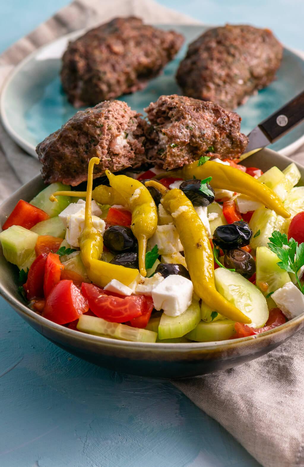Griechischer Bauernsalat – einfach, schnell & lecker