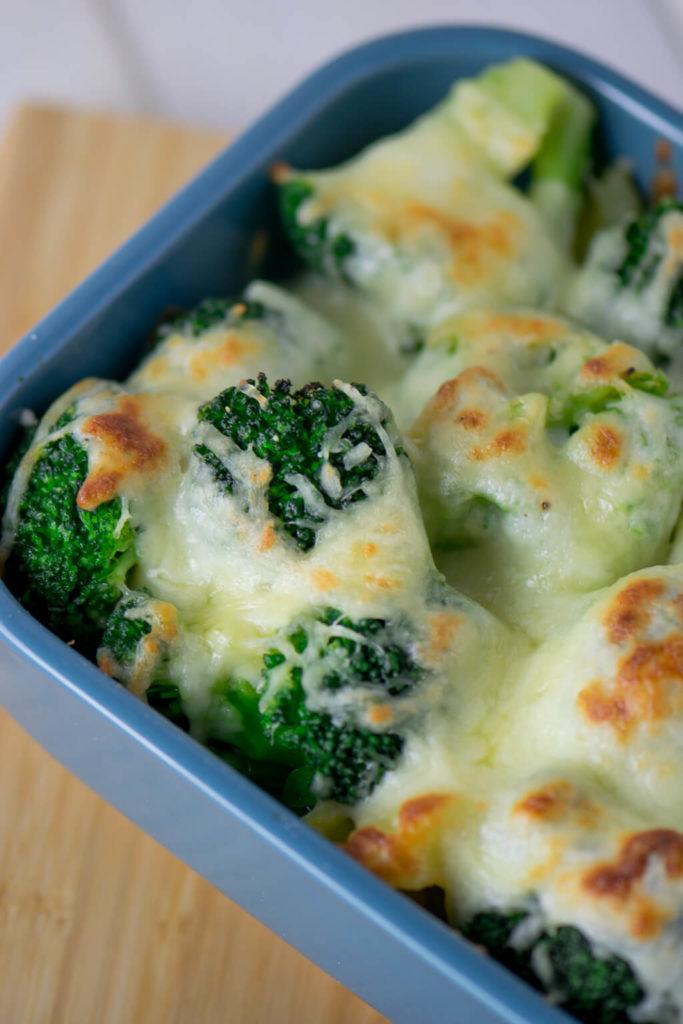 Fertig in weniger als 30 Minuten - Brokkoli Kartoffel Gratin mit Bechamelsauce
