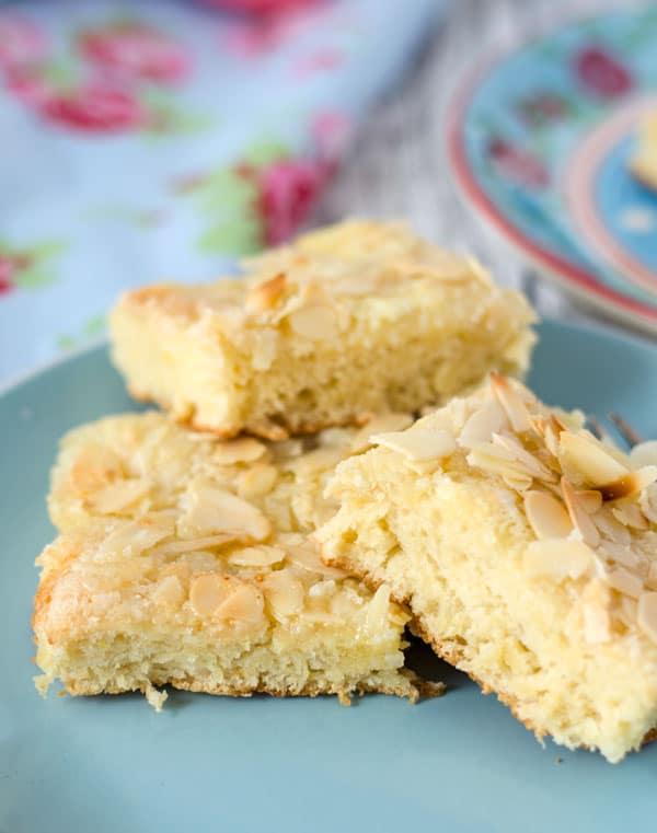 Saftiger Butterkuchen nach Omas Rezept - der Beste!