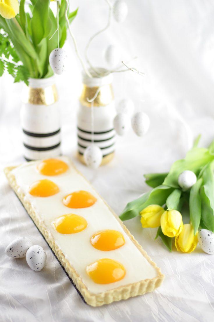 Aprikosen-Schmandtarte in Spiegeleioptik