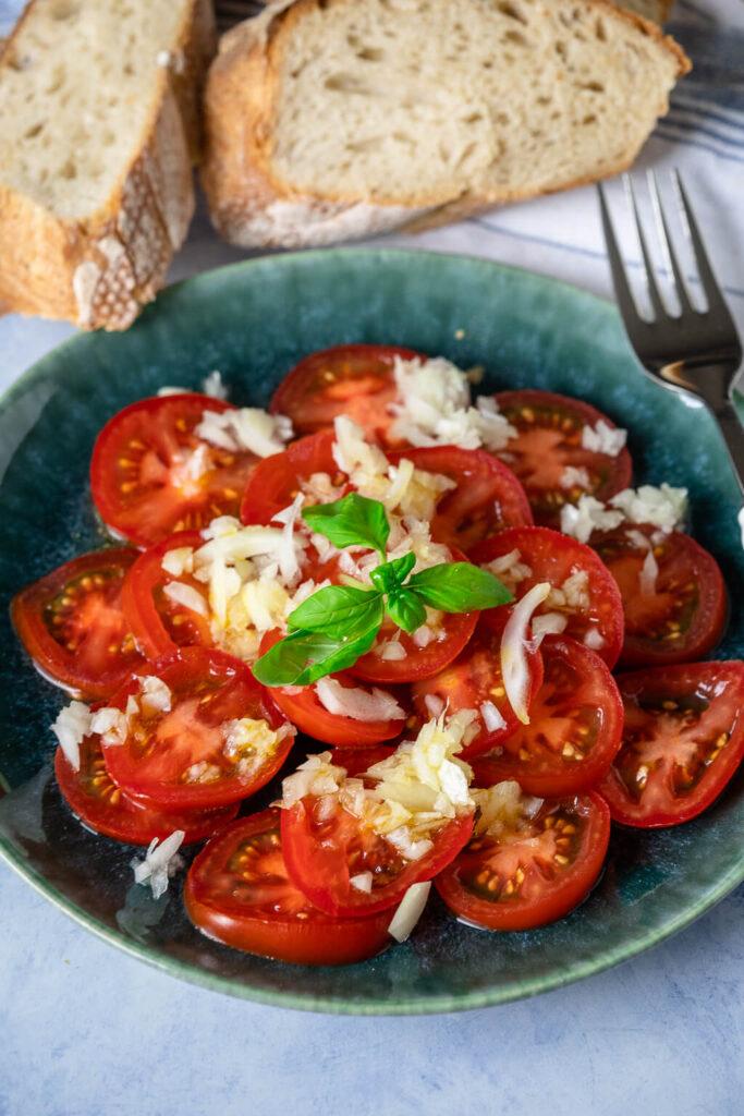 Tomatensalat klassisch