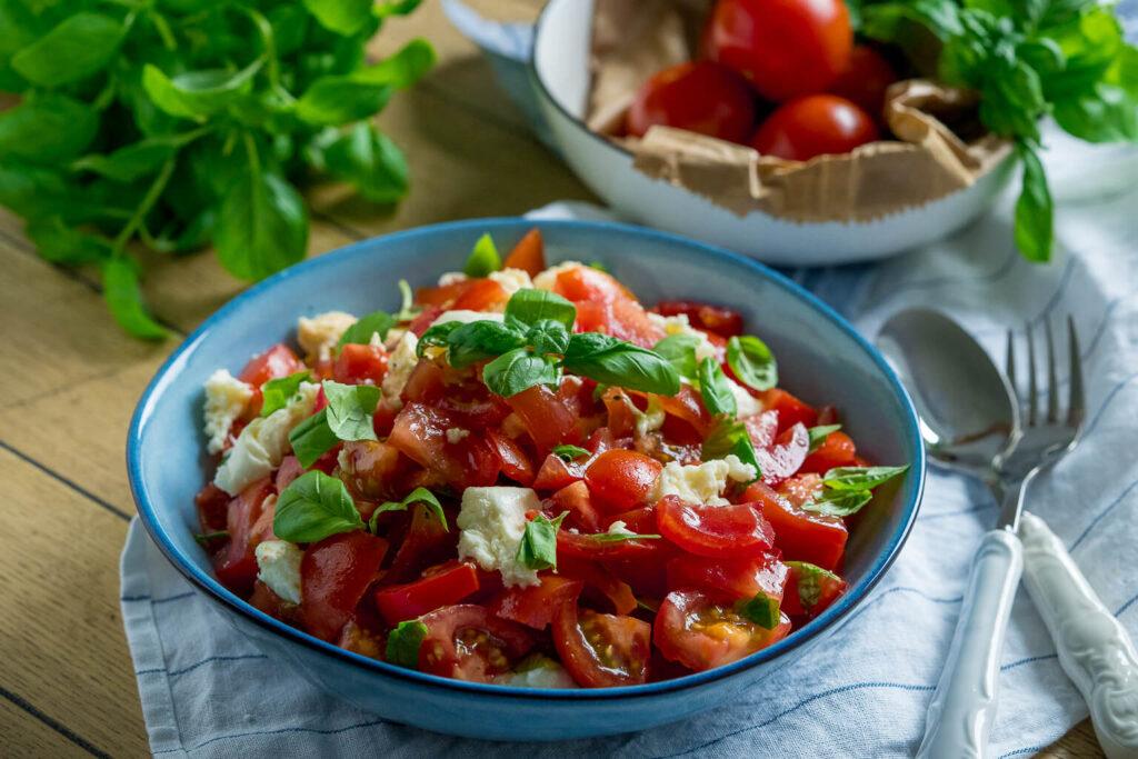 Tomatensalat einfach und mega lecker