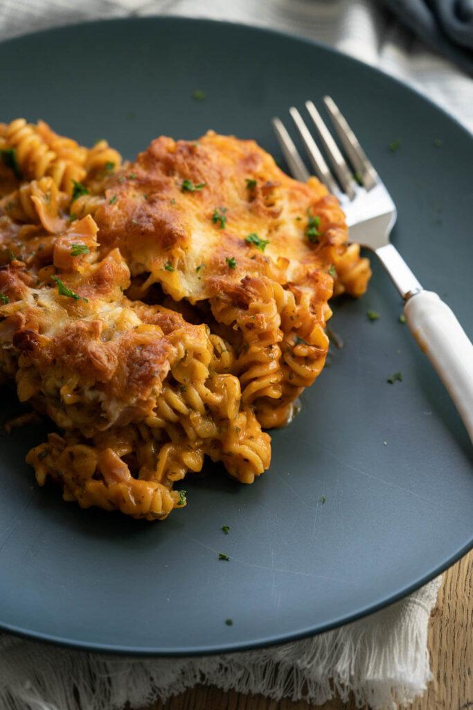 Nudelauflauf mit Schinken - Rezepte mit Schinken und Käse #mealprep #auflauf #nudeln