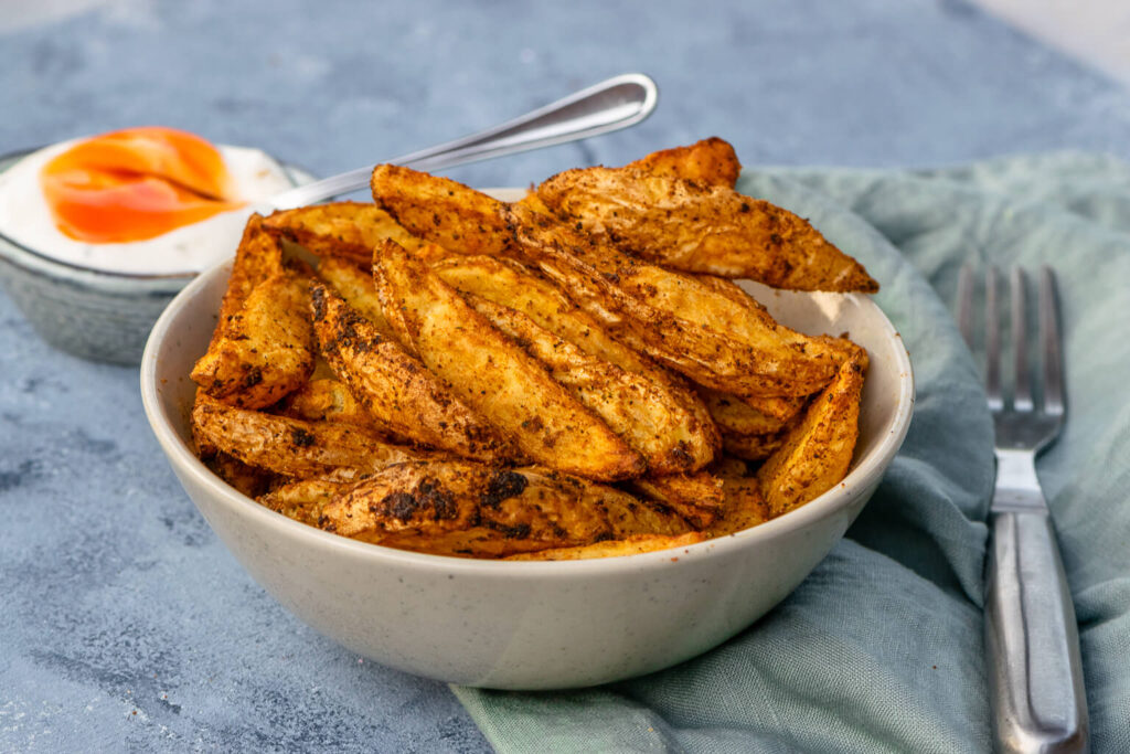 Knusprige Country Kartoffeln - backe die besten Kartoffelspalten mit super leckeren Dip