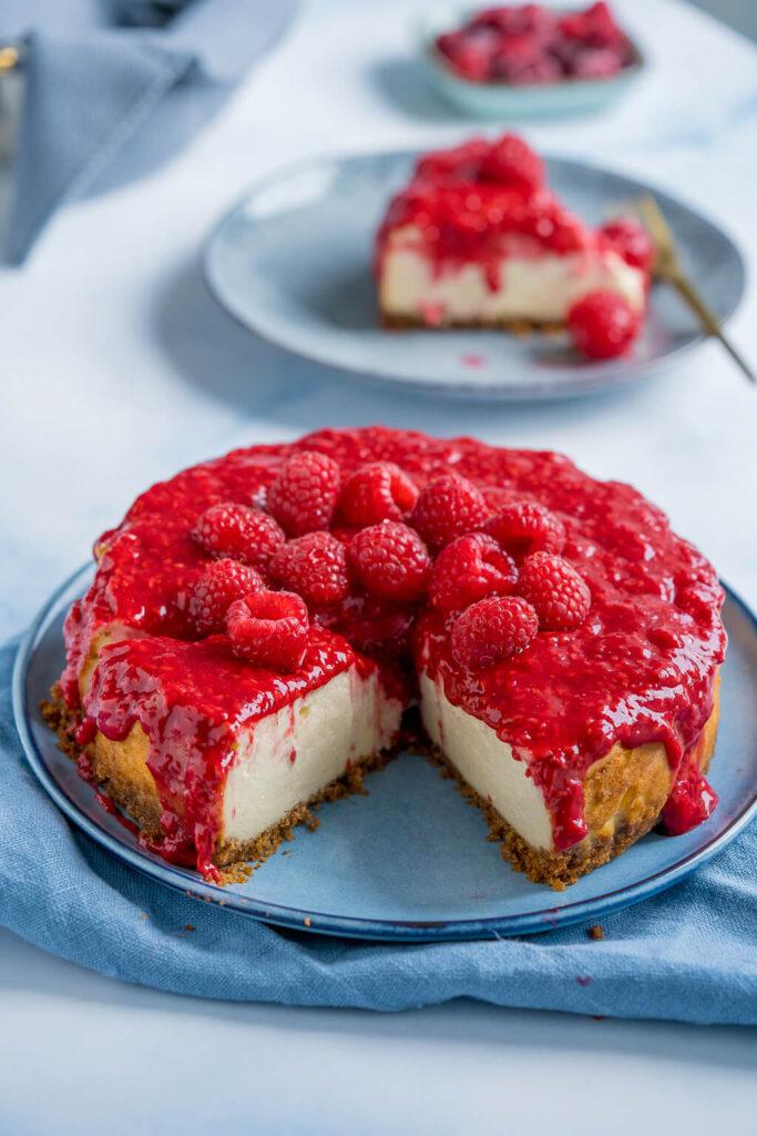 Cheesecake mit Himbeeren - cremig und super lecker