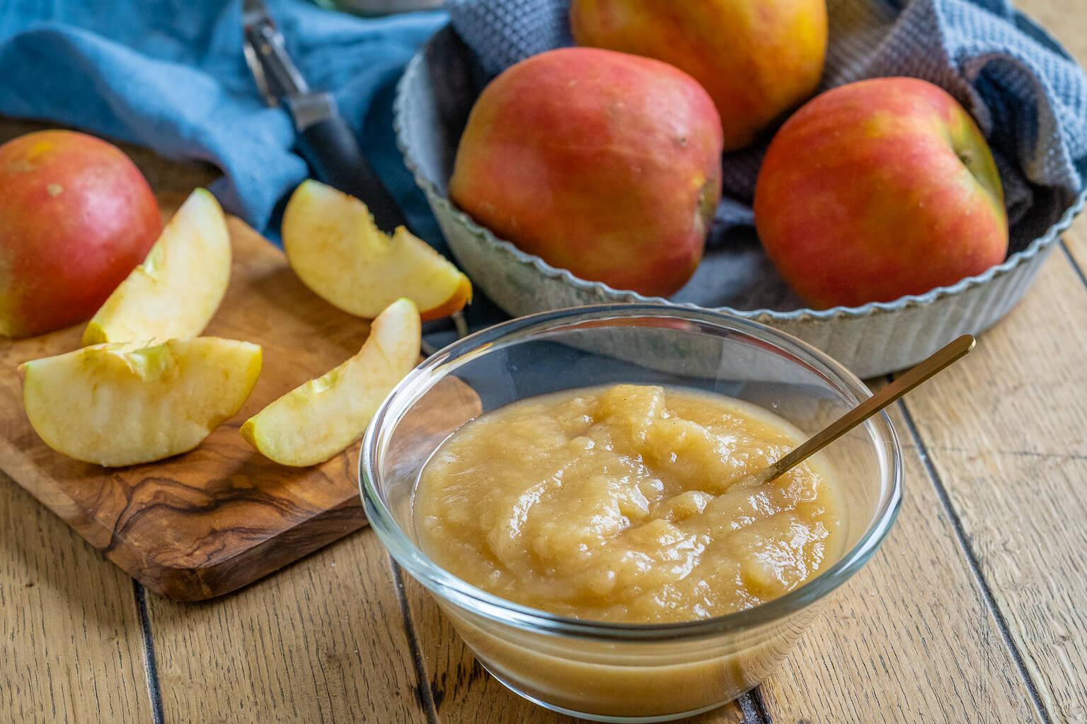 Apfelmus mit Zimt - perfekt für gedeckten Apfelkuchen