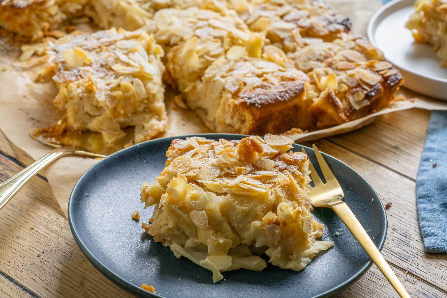Bratapfelkuchen mit Marzipan - mega lecker & einfach - Einfach Malene