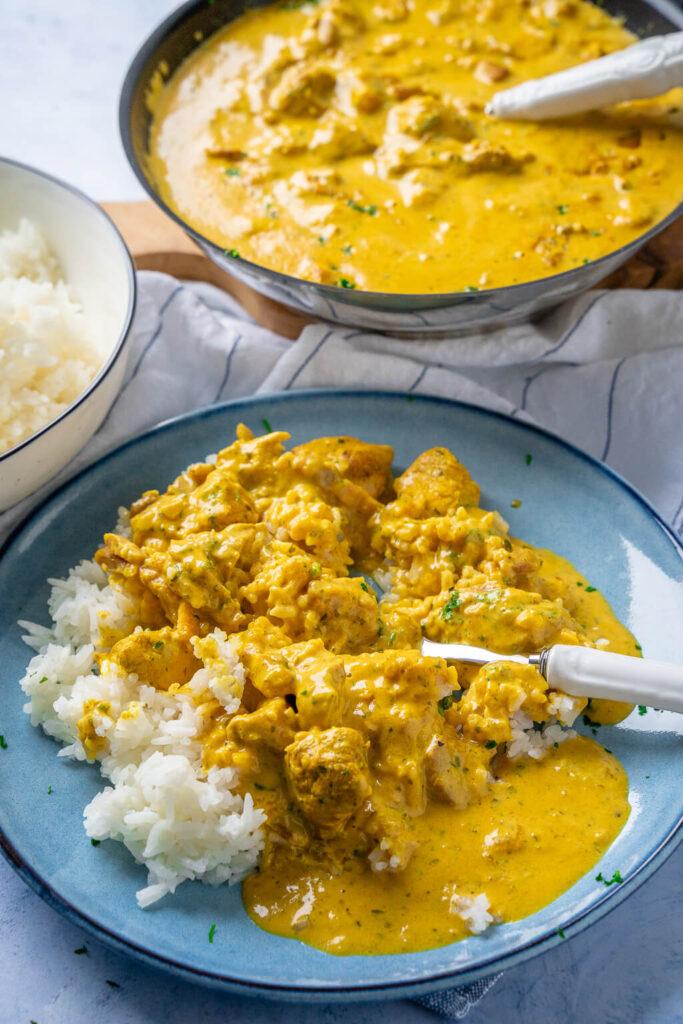 Curry Geschnetzeltes - in Curry-Sahne Sauce mit Reis - brauchst keine 30 Minuten