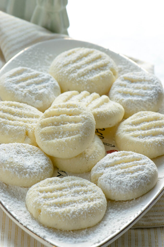 Diese Schneeflöckchen Kekse zergehen auf der Zunge