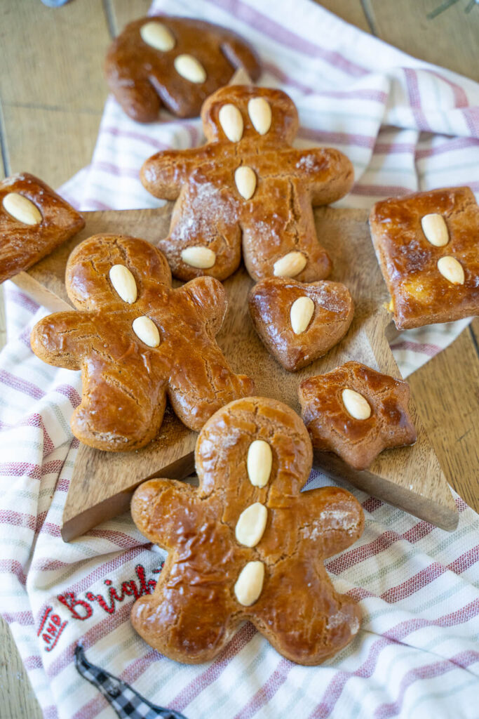 Weiche Lebkuchenmänner -einfaches Rezept um Ausstechen von Honigkuchenteig