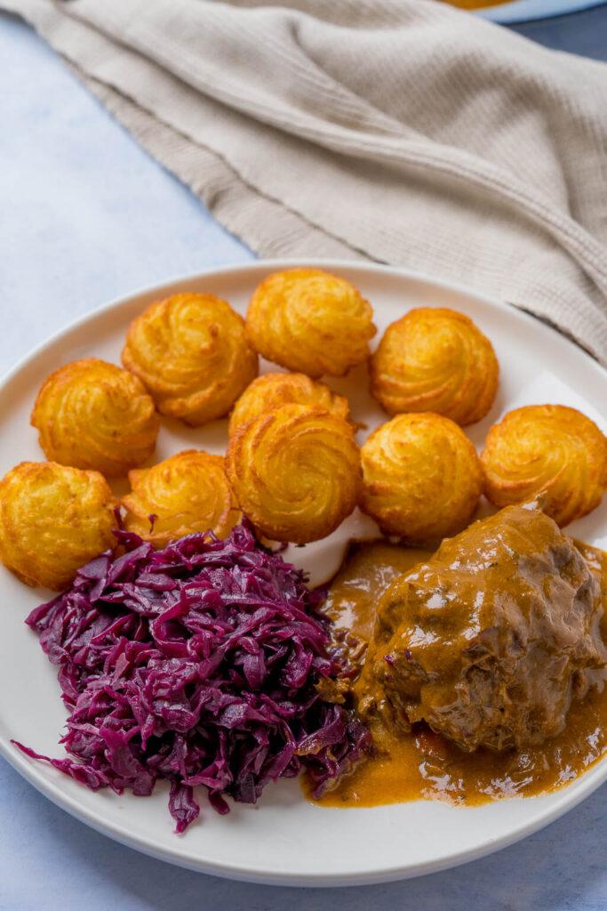 Rouladen für Weihnachten vorkochen -mit Herzoginkartoffeln und Rotkohl