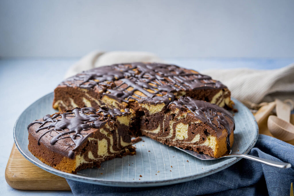 Saftiger Zebrakuchen - der einfache und superleckere Marmorkuchen