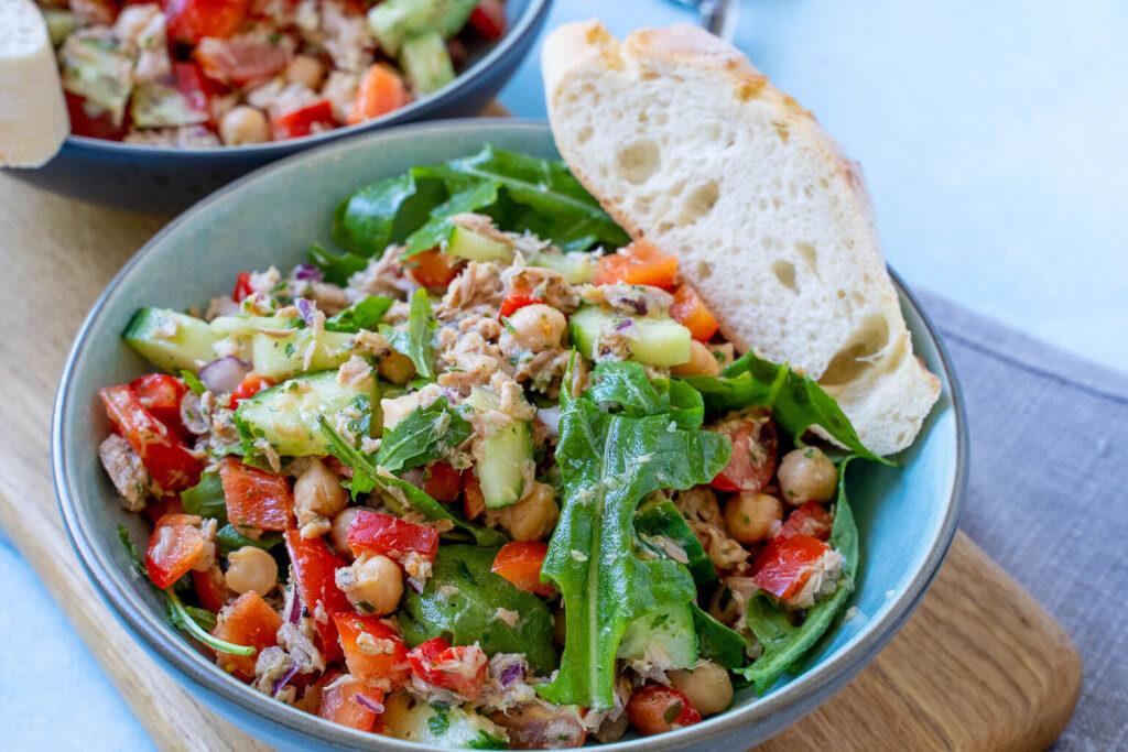 Gesund, lecker und zuck zuck fertig. Thunfisch Kichererbsen Salat