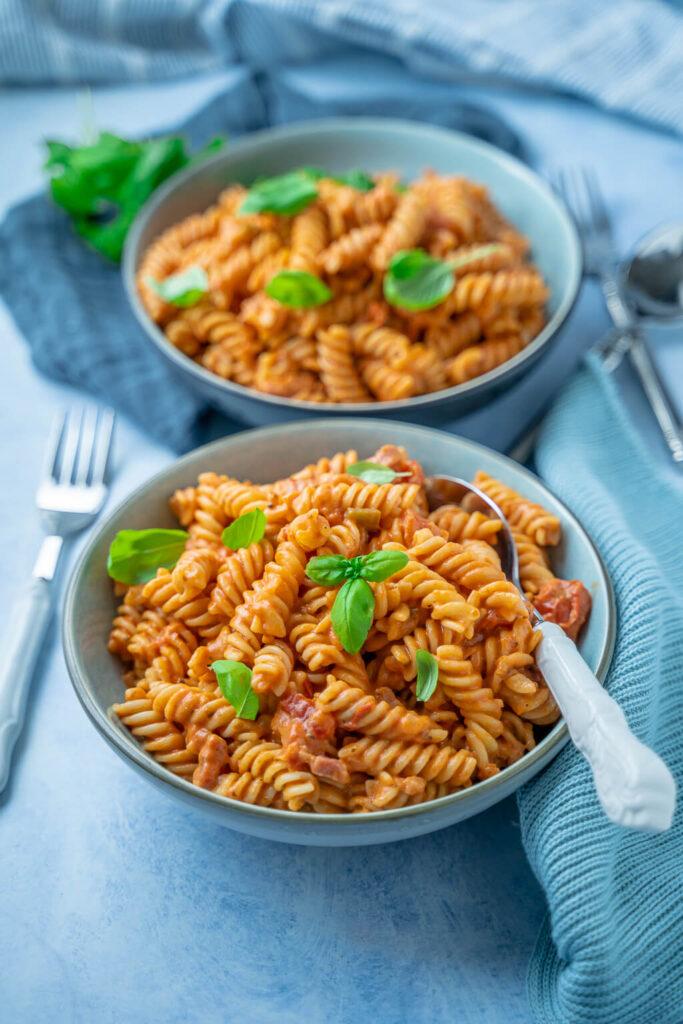 Cremige Tomaten Pasta - lecker und in 12 Minuten auf dem Tisch