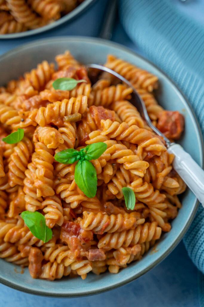 Super lecker und sehr einfach zu kochen - Tomatenpasta mit nur 8 Zutaten