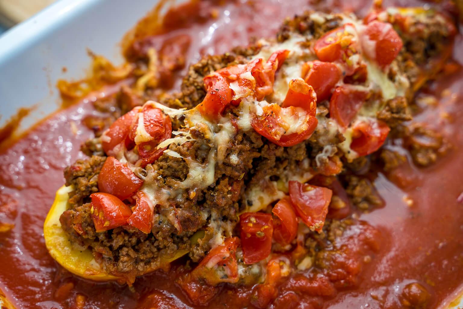 Gefüllte Zucchini - mit Hackfleisch und Käse