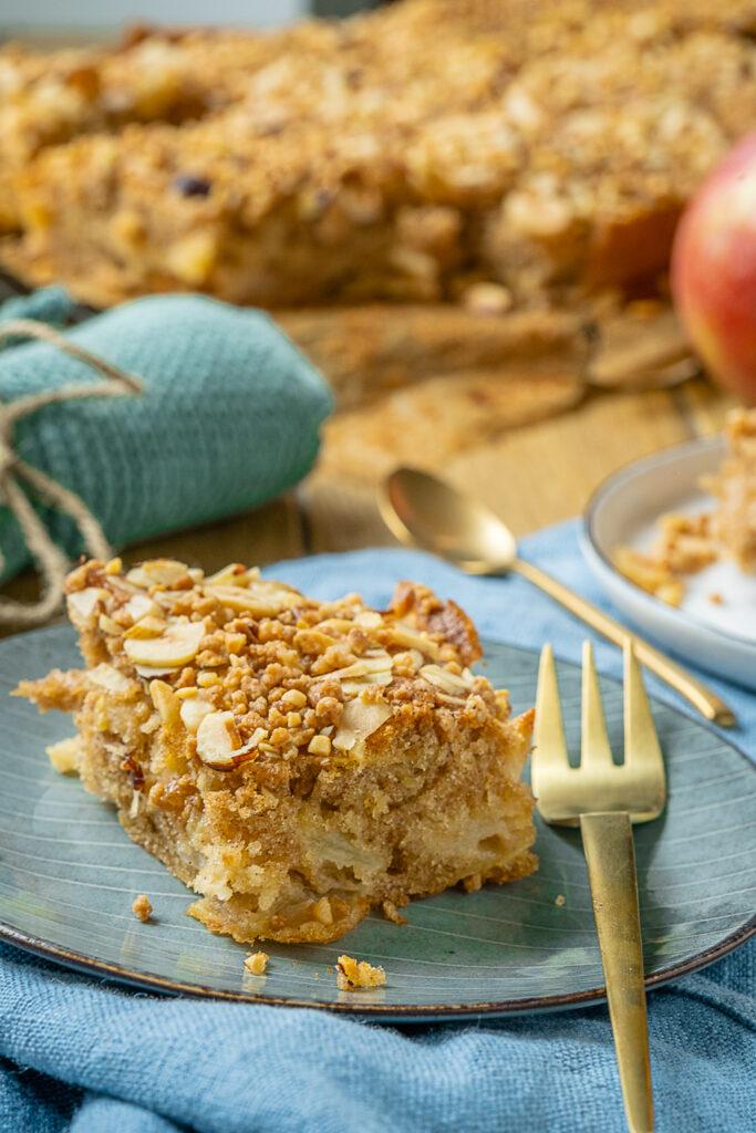 Der perfekte Apfelkuchen mit Haselnusskrokant