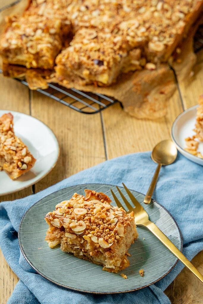 Beste Apfelkuchen - perfekt für den Herbst - Apfelkuchen vom Blech, mit Haselnuss